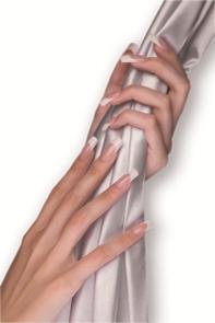 Nagelverlängerung mit Schablonentechnik